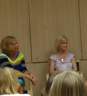 Ann Ljungberg till vänster, jag till höger
